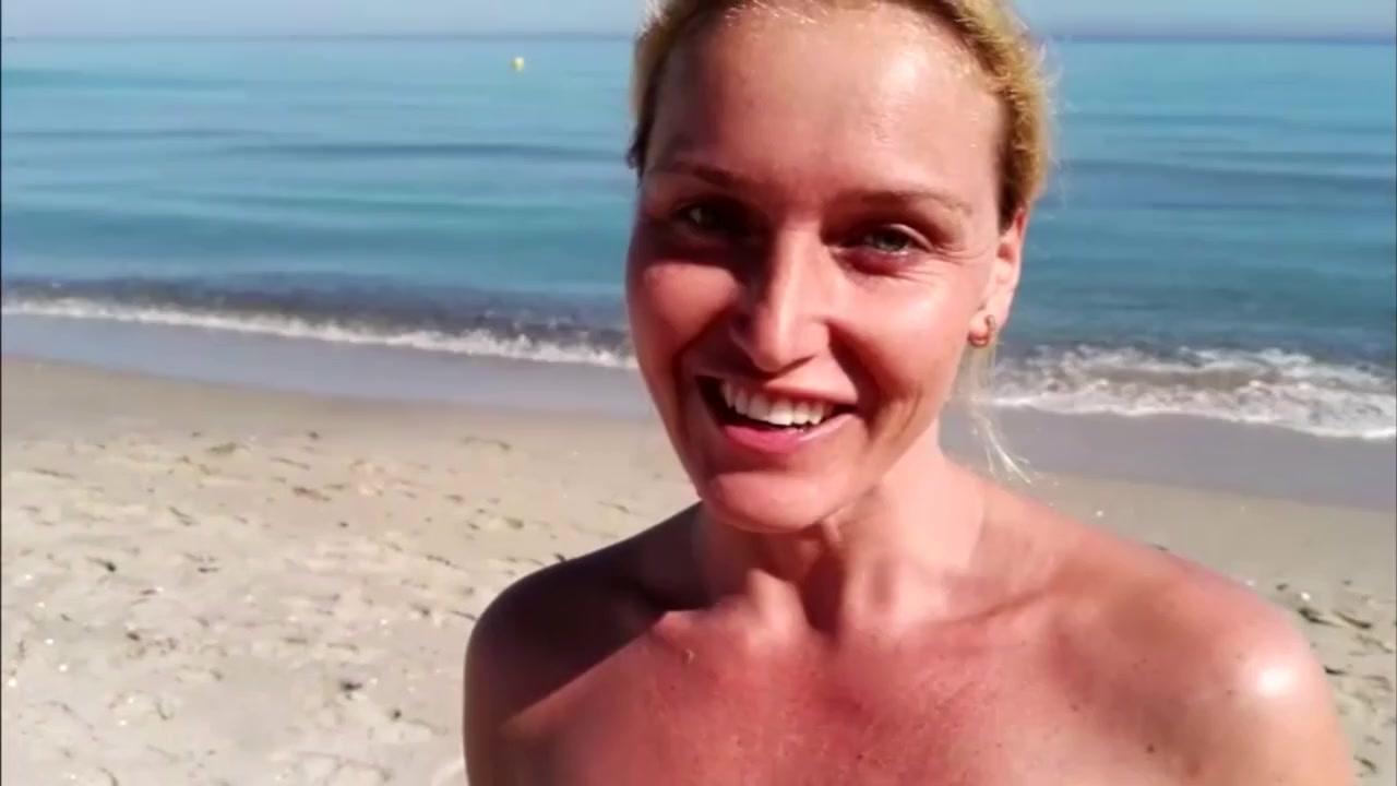 Развратная пляжница
