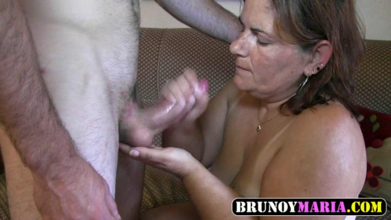 Загорелая бабуля жжет на порно кастинге