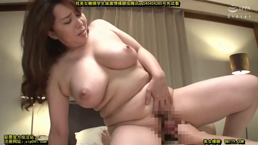 Страстный японец вызвал проститутку, которая сношалась с ним в письку целый день